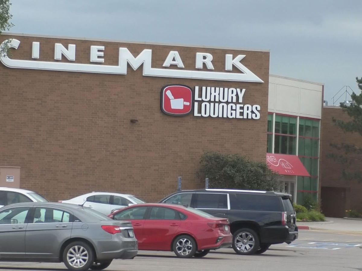 Cinemark Theater in Mankato reopens