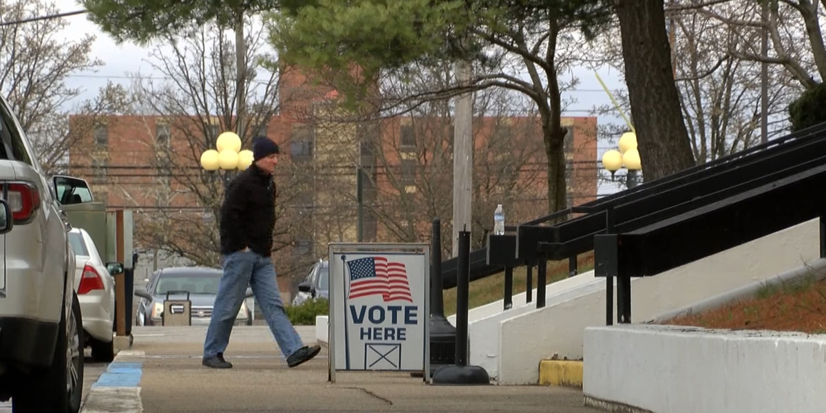 Iowa Senate Republicans approve bill limiting early voting
