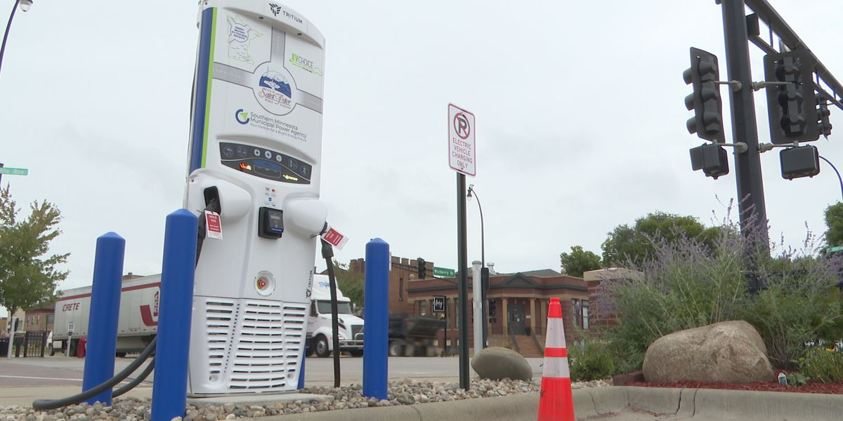 Electric car charging stations installed in St. Peter