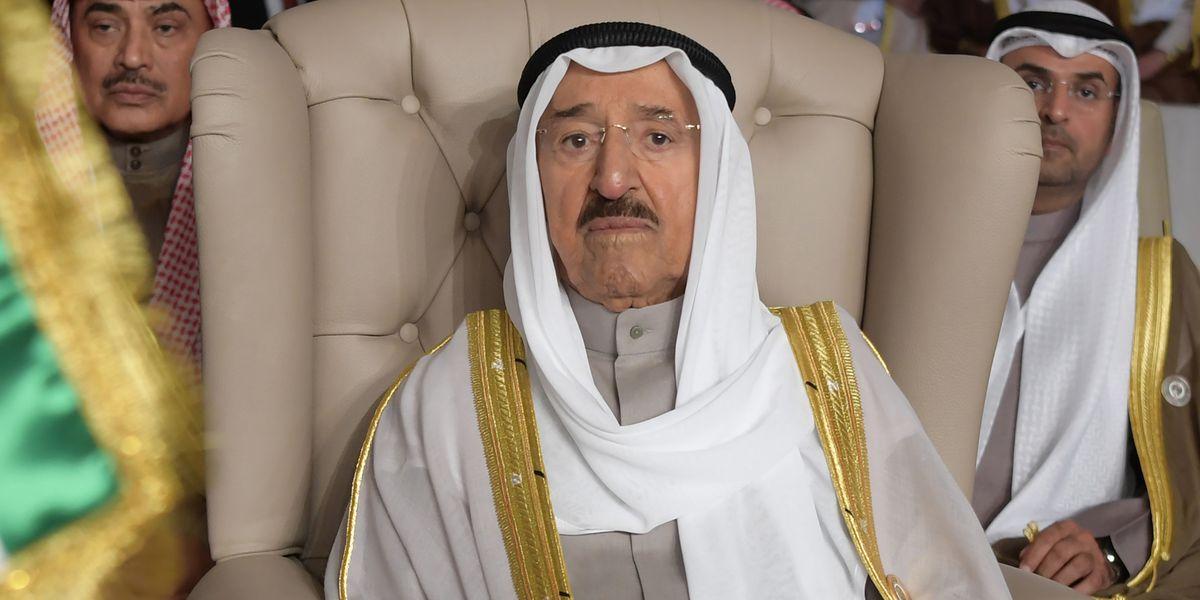US flies Kuwait emir, 91, to Minnesota after surgery at home