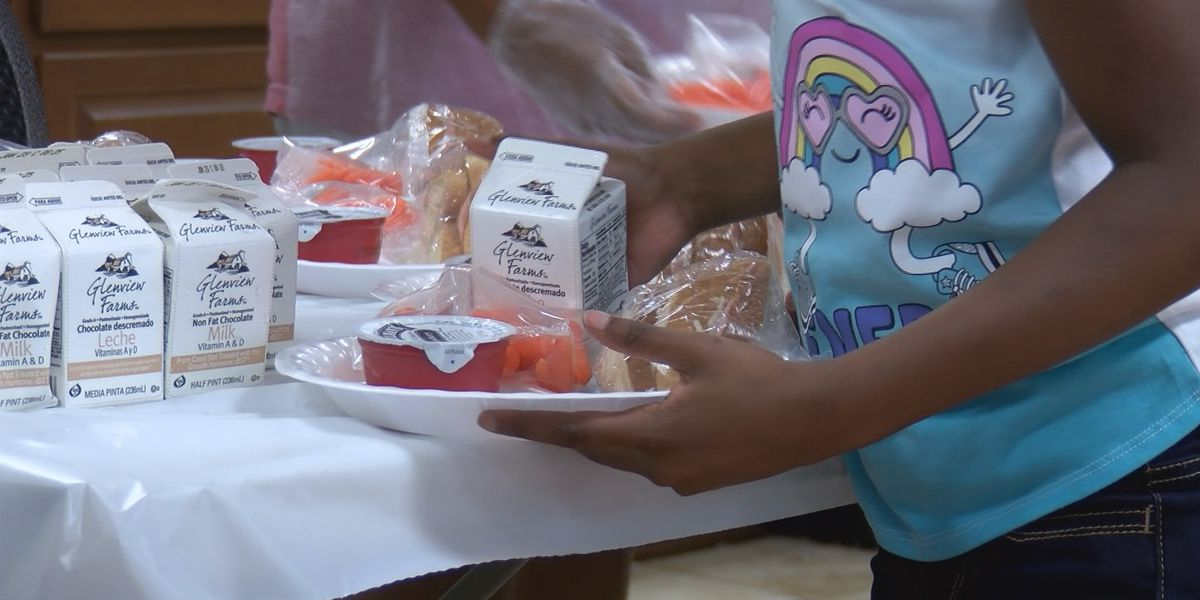 USDA extends free meal programs through 2020