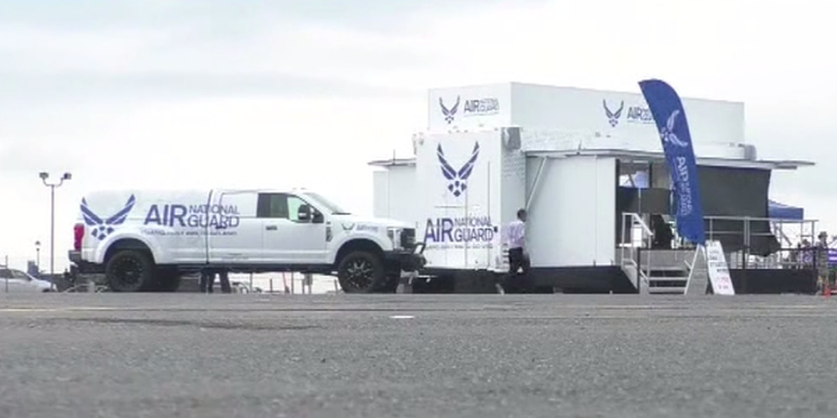 Air National Guard recruits at air show