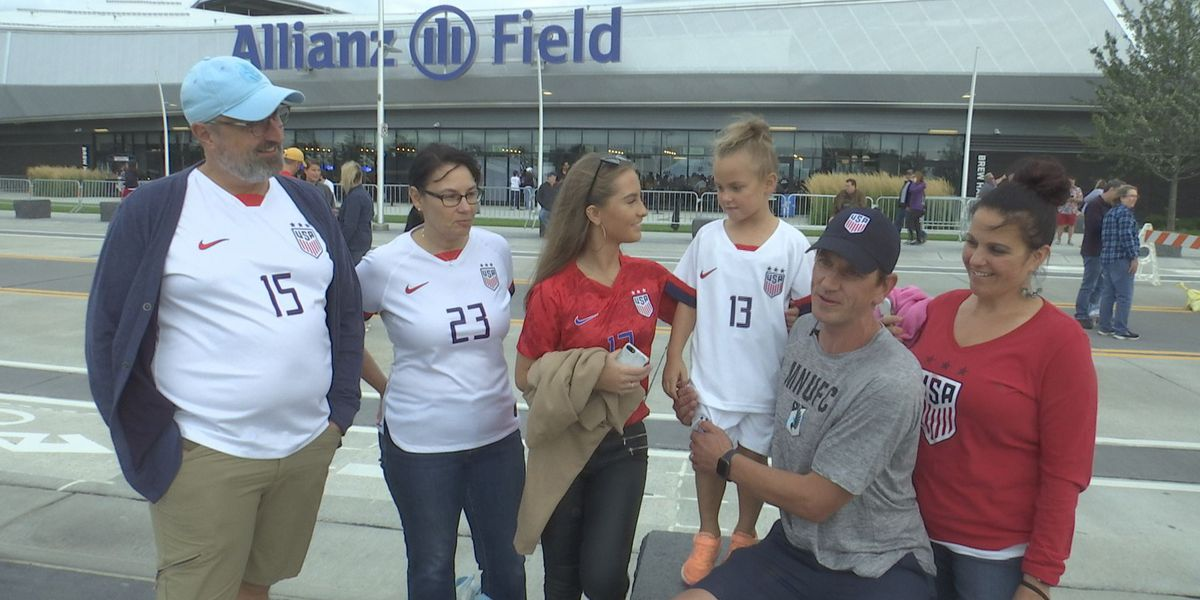 USWNT Victory Tour stops in St. Paul, inspiring many