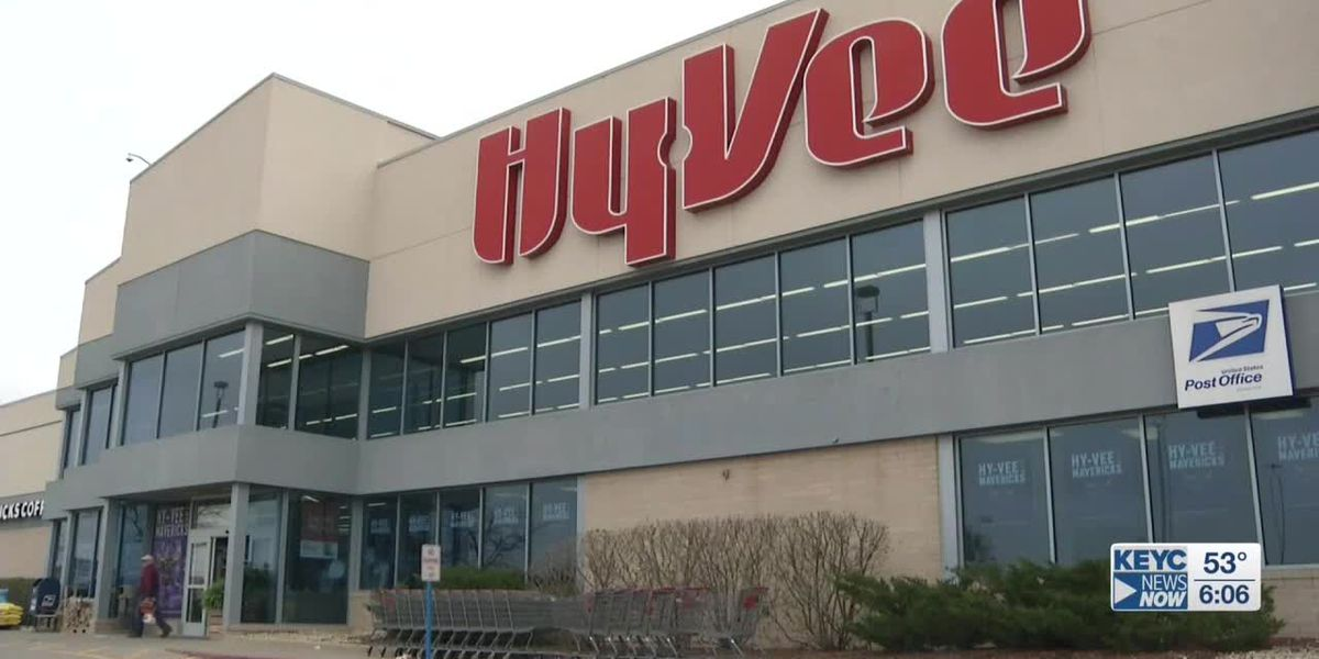 Hy-Vee to require employees to wear face masks while on the job