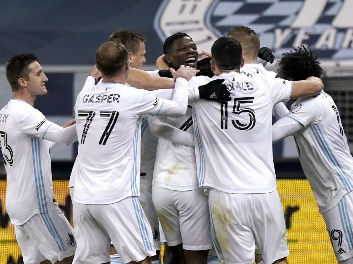 Minnesota advances to Western final, beating Sporting KC 3-0