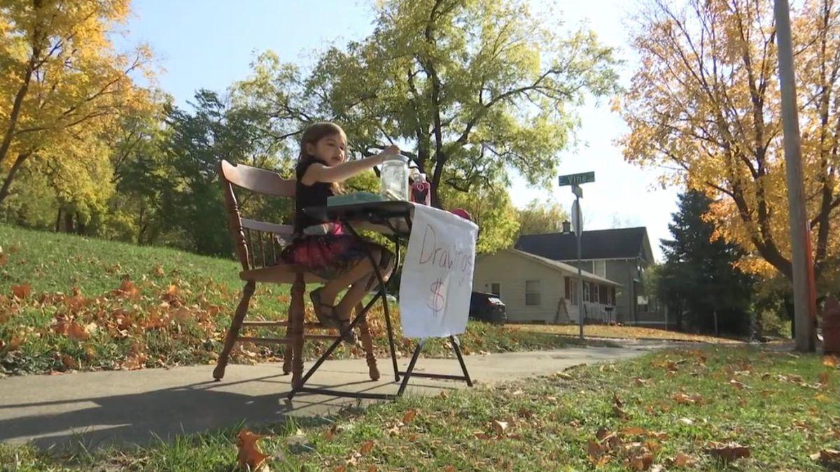 Minnesota girl raises money for Toys for Tots with her art