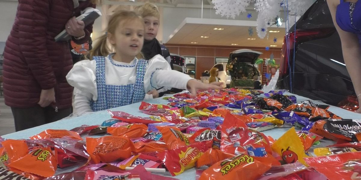 Snell Motors hosts a community business led Trick-or-Treating event