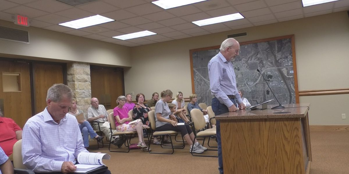 North Mankato City Council meeting draws crowd for public comment