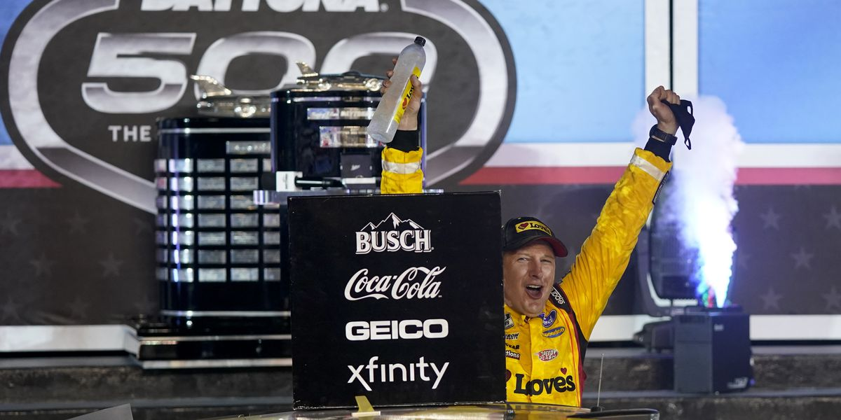 McDowell beats 100-1 odds for upset Daytona 500 victory