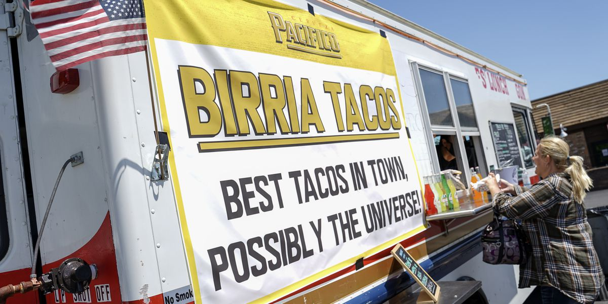 Taco truck on Madison Avenue serves up authentic Mexican cuisine