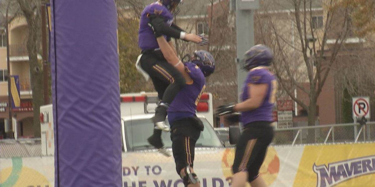 Mavericks continue dominating in NSIC with win over Wayne State