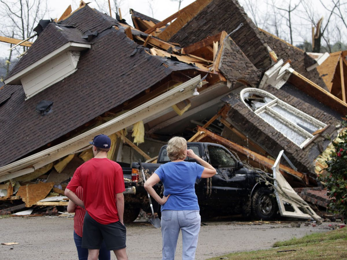 Weather service: 8 tornadoes hit Alabama, killing at least 5