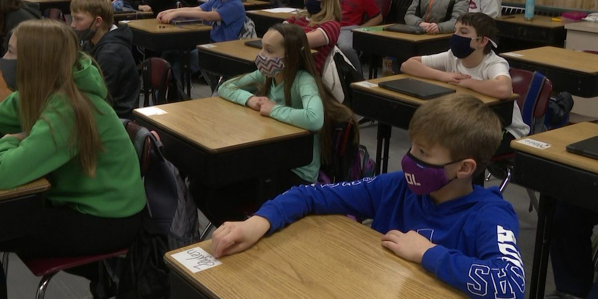 New Ulm Middle School students win national FBI online safety award