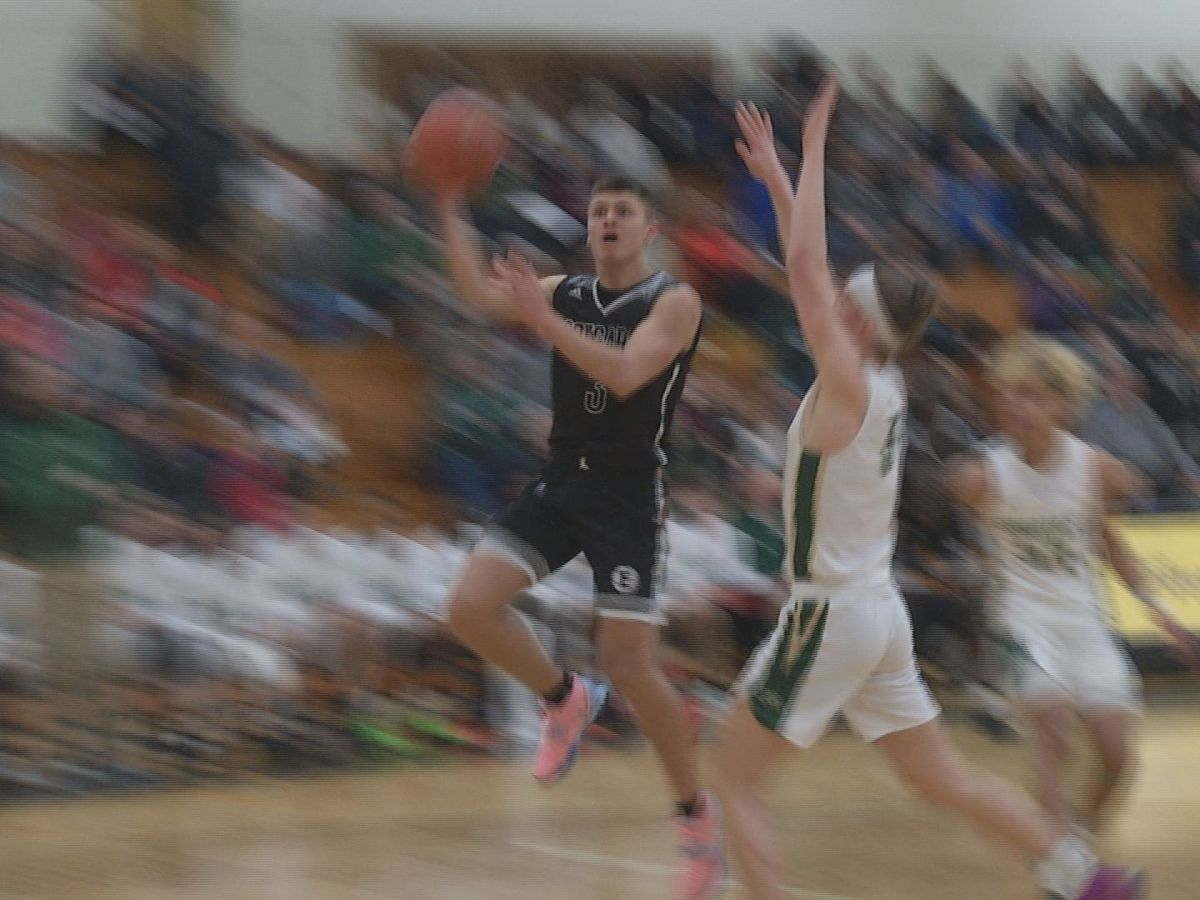 Mankato East tops Rochester Mayo; sets new school record for most consecutive wins with 19