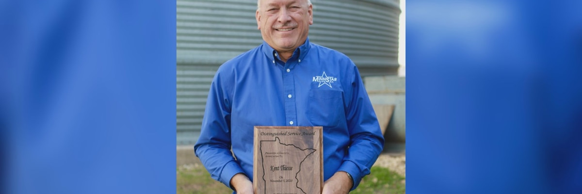 "Kent Thiesse receives AgriGrowth ""Distinguished Service Award"""