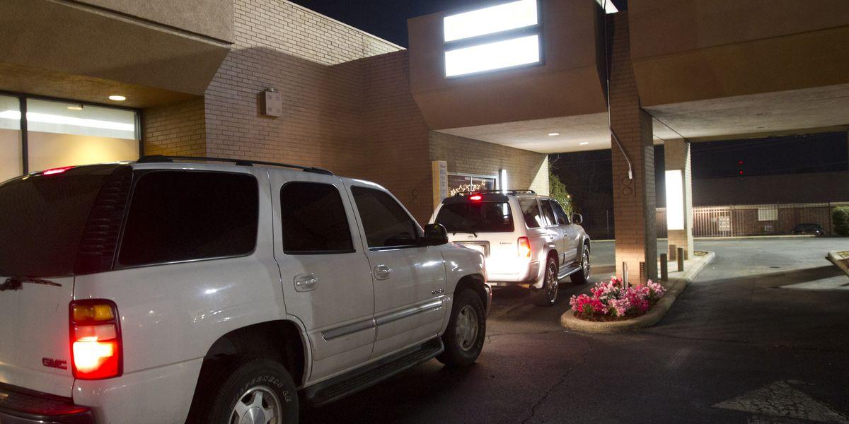 Minneapolis bans new drive-through windows