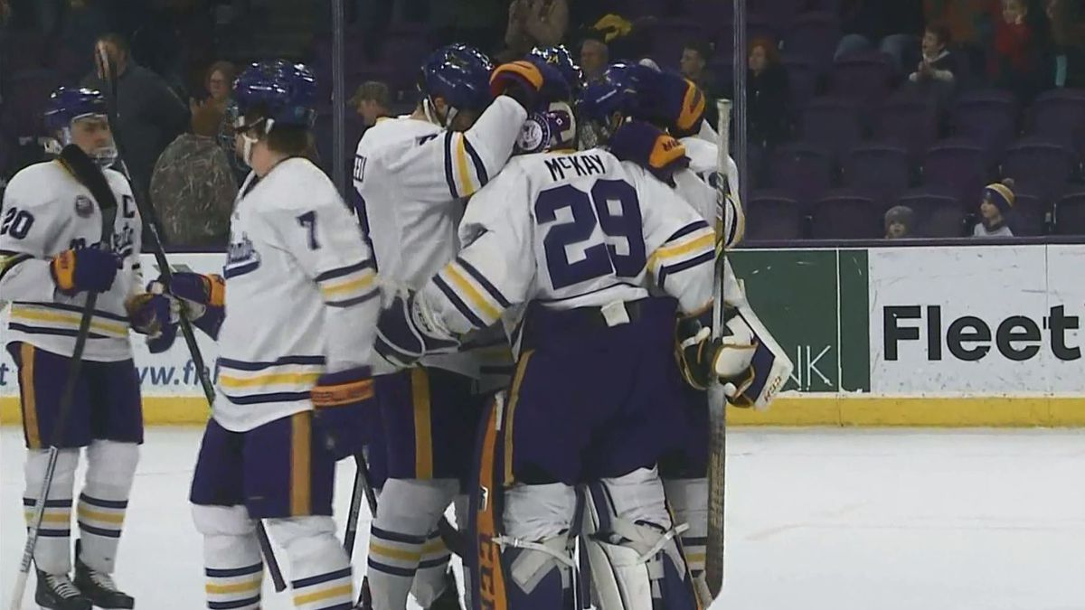 Mavericks claim No. 4 spot in USCHO preseason poll
