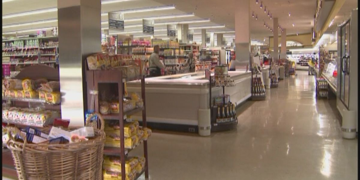 Some grocery stores altering hours for extra cleaning & restocking