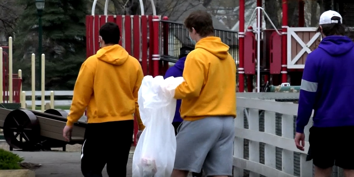 Minnesota State football tackles community clean up throughout Mankato