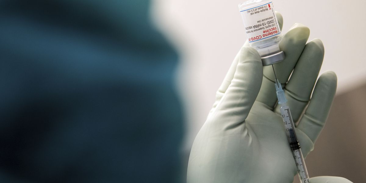 As virus surges, states reporting shortages of vaccine