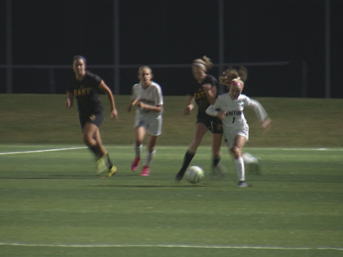 Mankato East, Rochester Century play to 2-2 draw