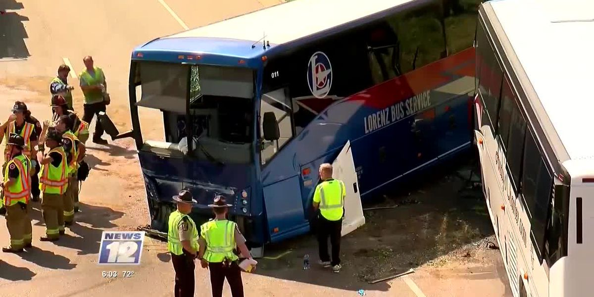 8 people injured after tour busses collide near Minnesota State Fairground