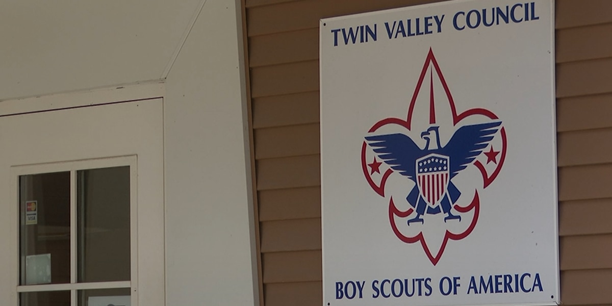 Boys Scouts supporting local food shelves with Scouting for Food event