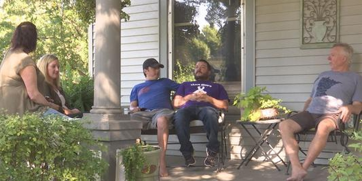 Walk to End Alzheimer's honorary family encourages conversation among community, hopes for a cure