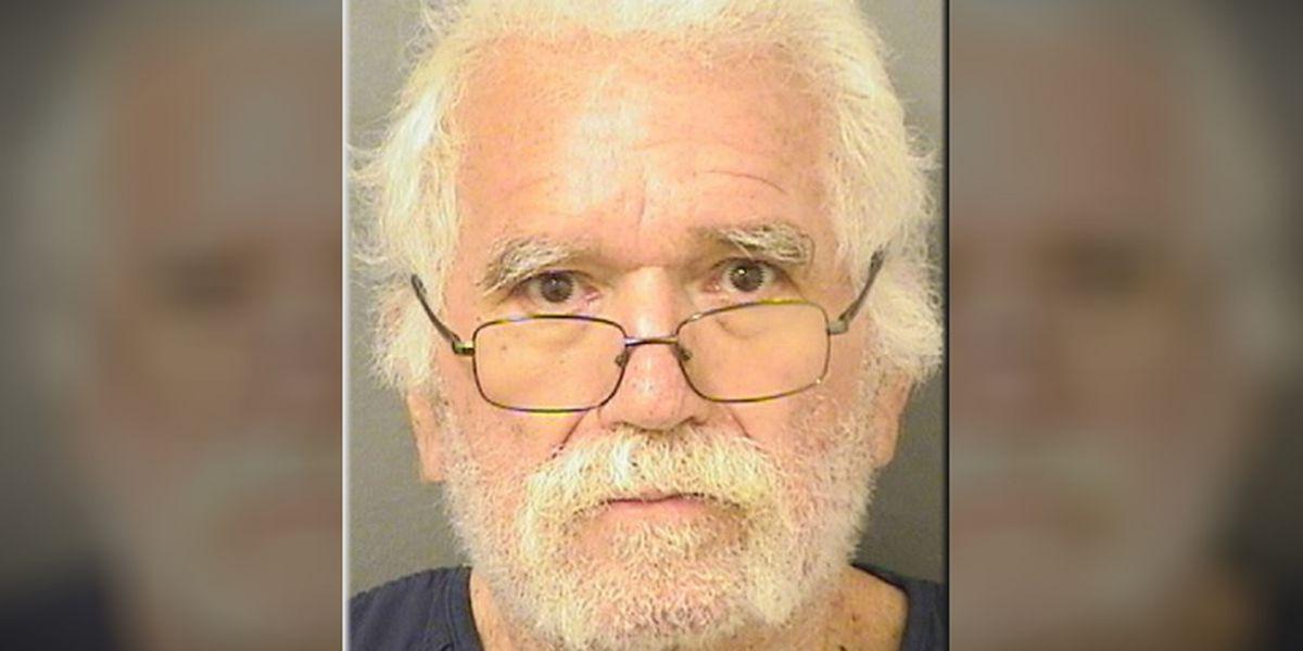 Florida man demands less money during bank robbery, deputies say