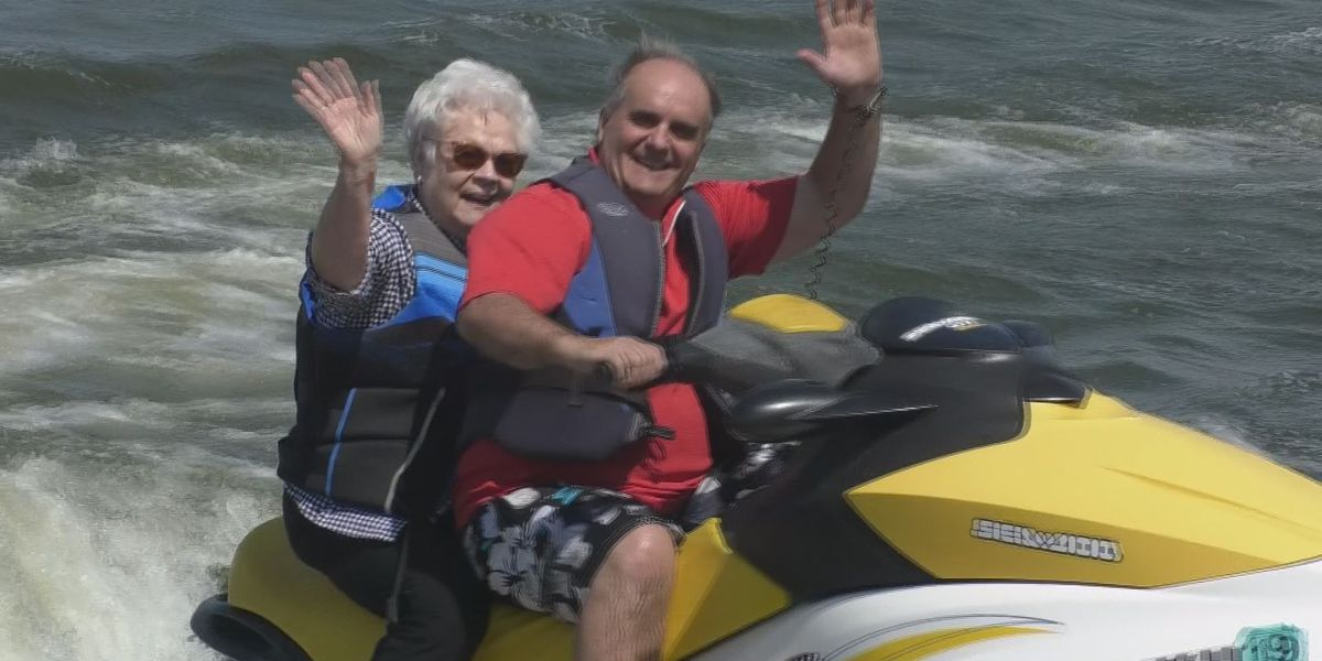 Veterans relax and reminisce on Lake Jefferson