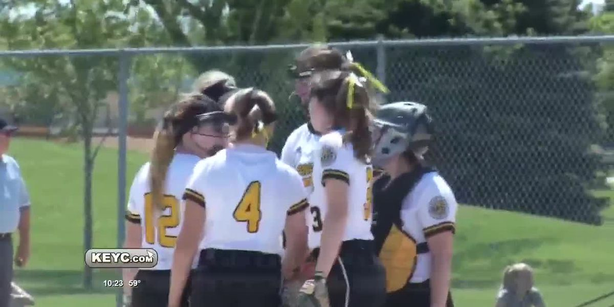 Cougars Claw Past Wildcats