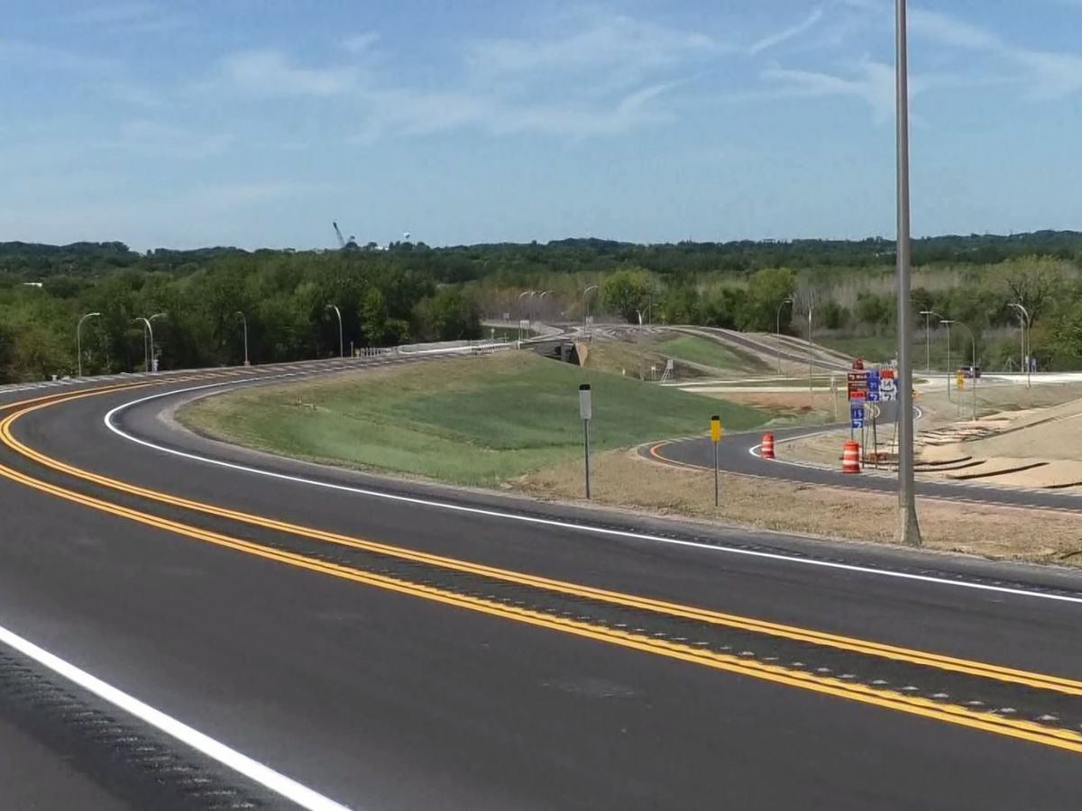 Highway 14, 15 interchange partially opens near New Ulm