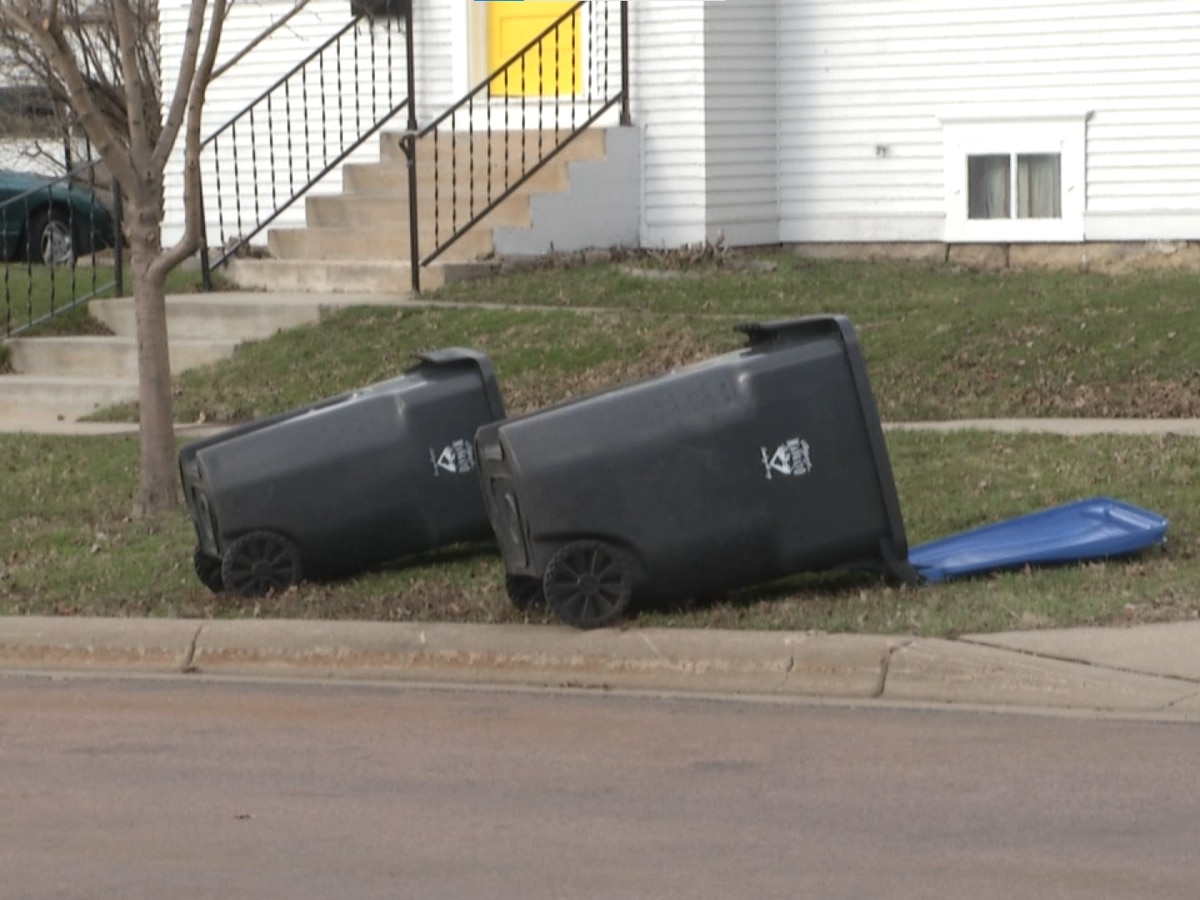Mankato Public Safety reminds residents of dangers with strong winds