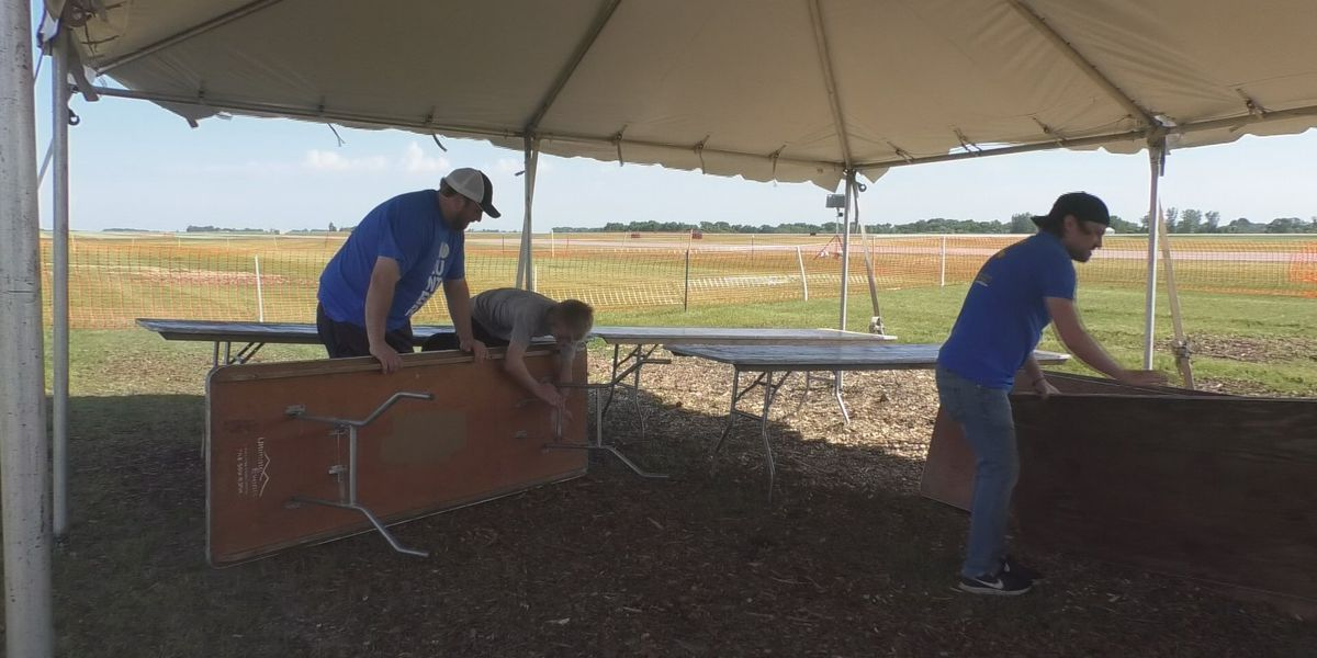 Over 1,000 volunteers assist with the Minnesota Air Spectacular