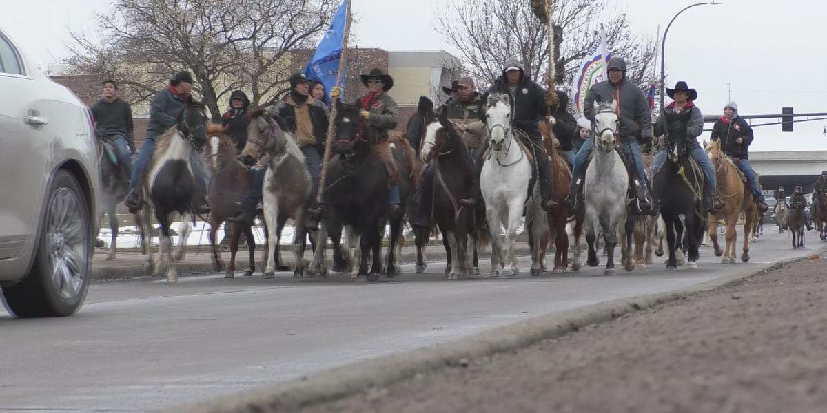 Dakota 38+2 Memorial Ride makes its way to Mankato