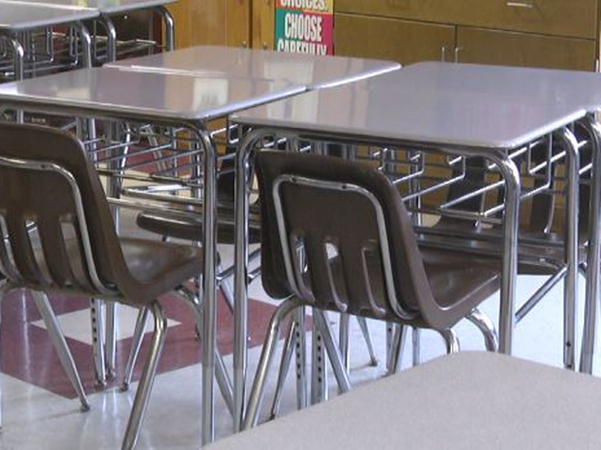 Iowa school reopening plan doesn't require masks, distancing