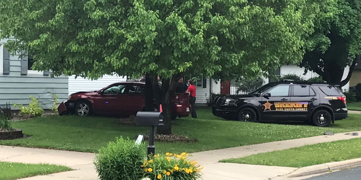 UPDATE: Woman arrested following police chase in Mankato that ends with driver crashing into home