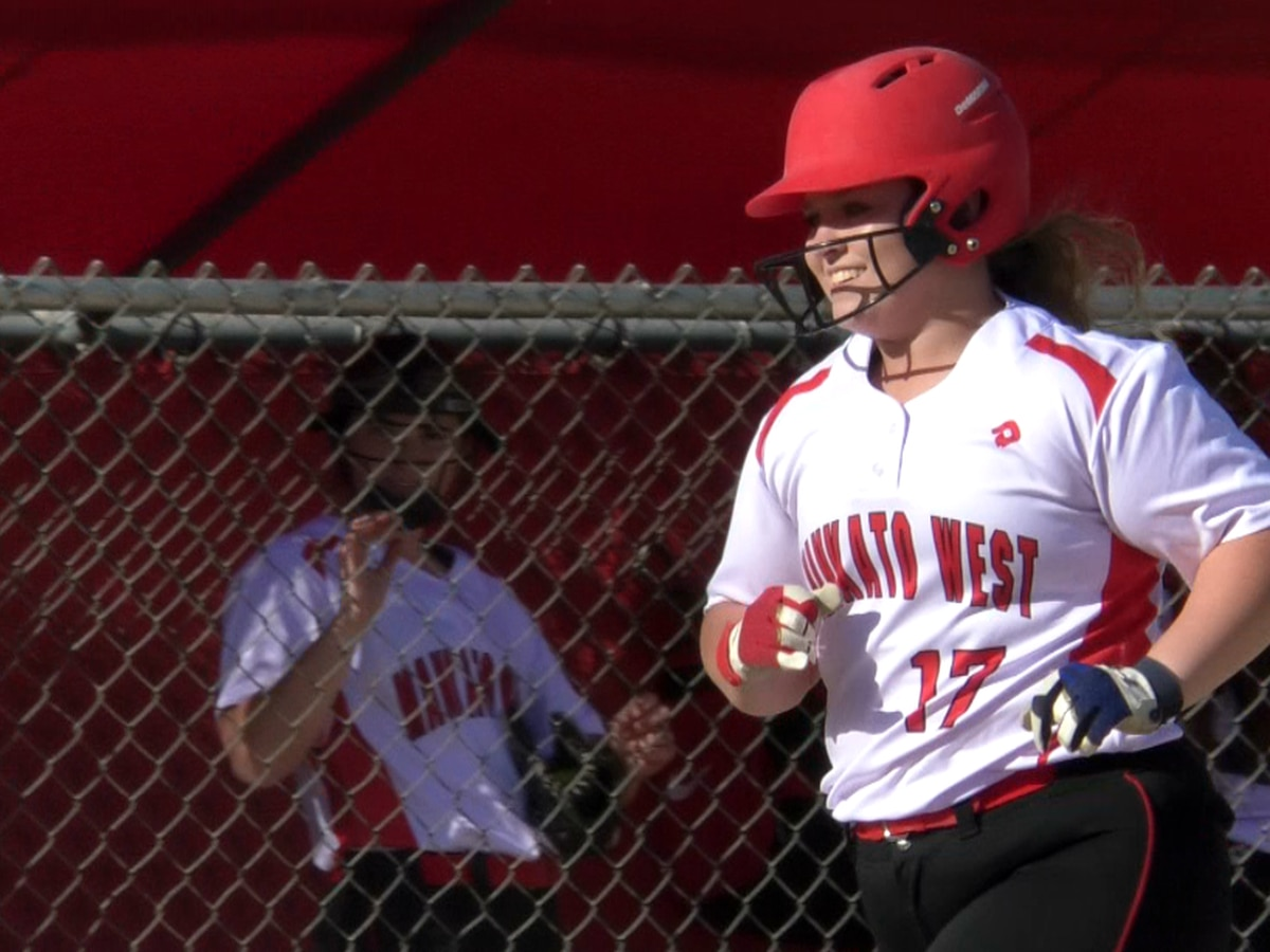 Top-ranked Scarlets defeat Albert Lea 11-0