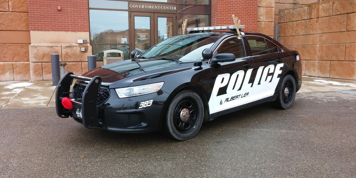 Man arrested after wounding 3 people, including officer, in Albert Lea shooting