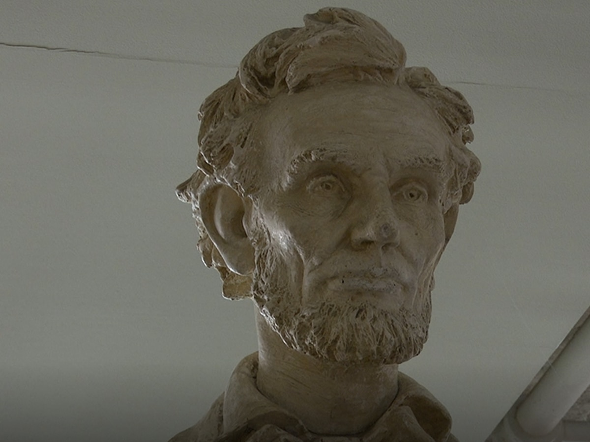 Minnesota State Mankato to discuss future of Abraham Lincoln statue