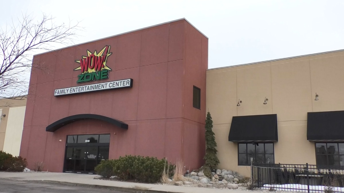 Hometown Business Connection: Wow!Zone Family Entertainment Center