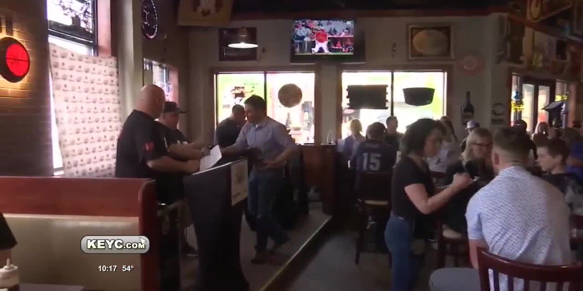 LEEP Hosts Draft Party For Legends Game
