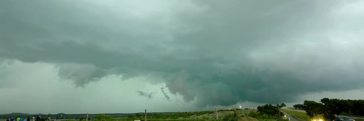 Wall cloud formation