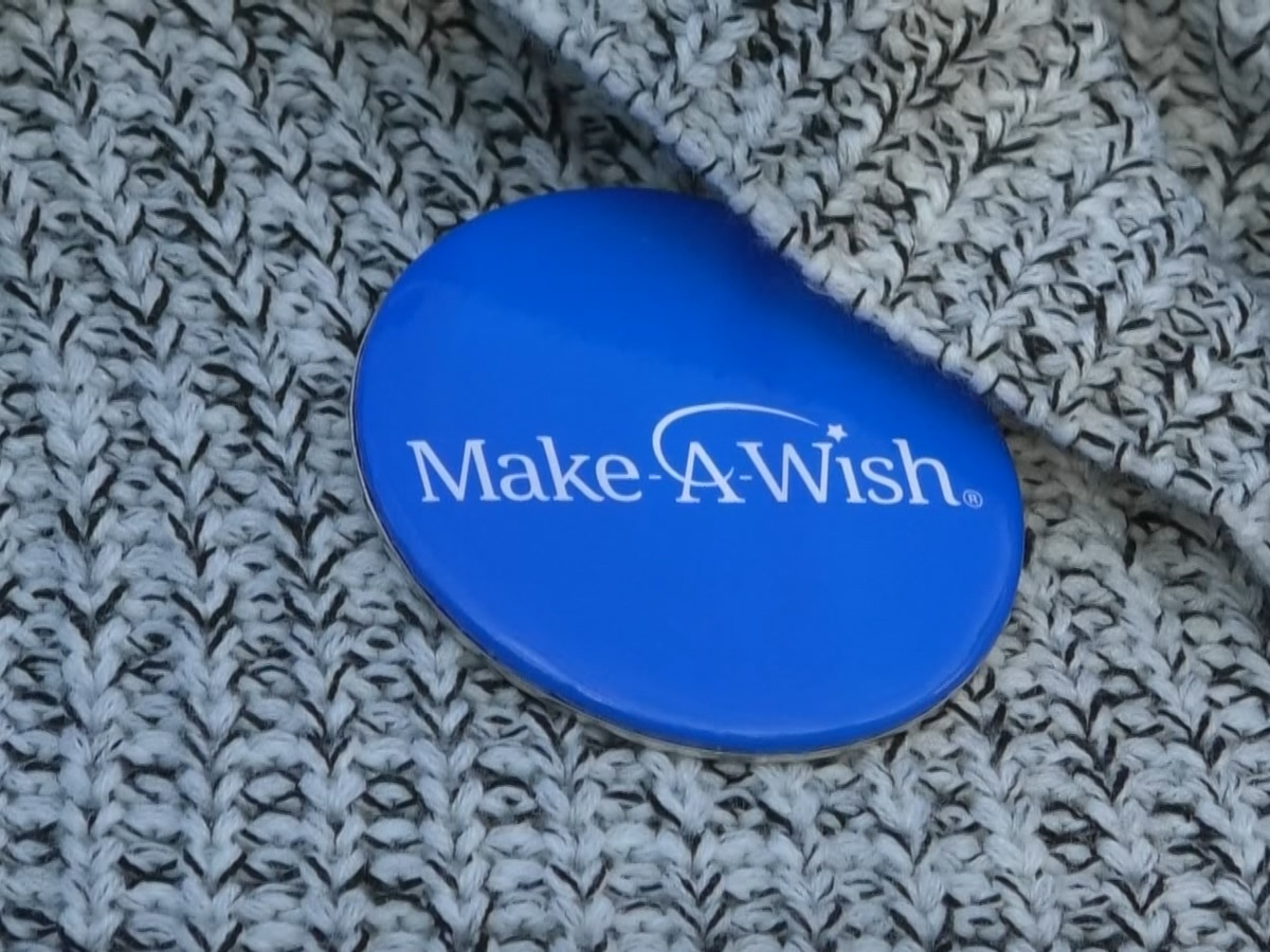 Make-A-Wish gives Mankato teen a bedroom makeover