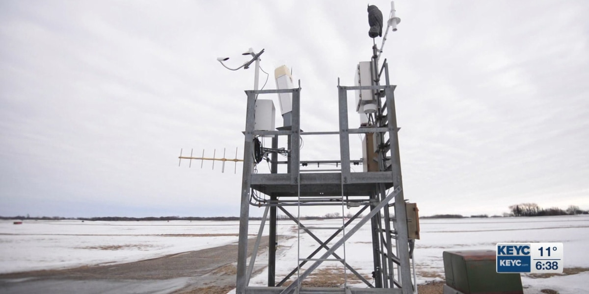 Meteorologist explains how data is collected for use by aviation agencies, weather reporters