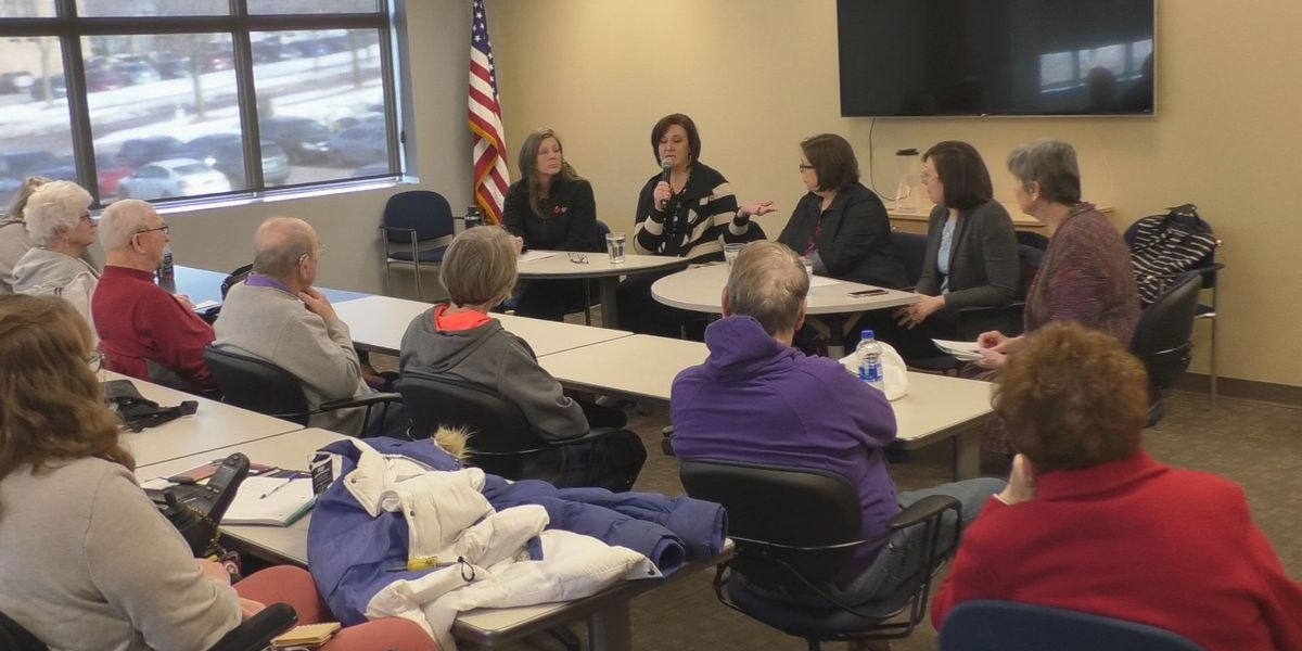 Panel presents on homelessness hoping to raise awareness