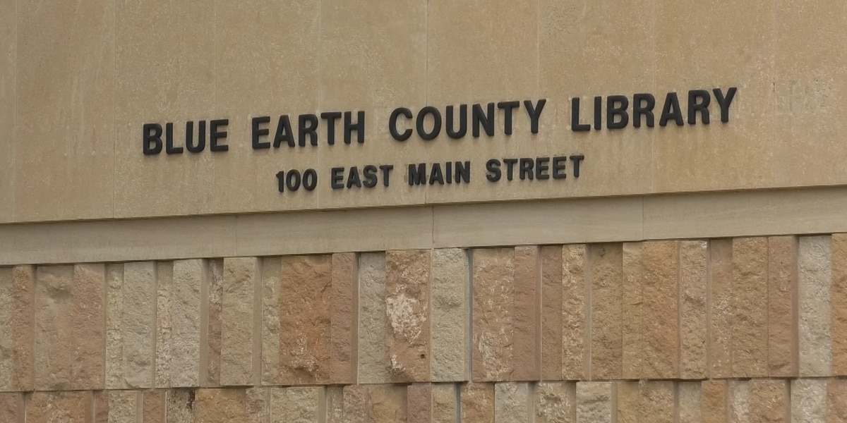Blue Earth Co. Library features new laptops available to check out