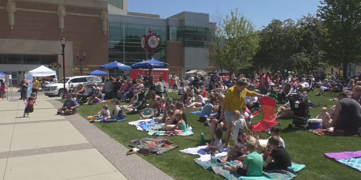 Songs on the Lawn back in 2020; moved to July