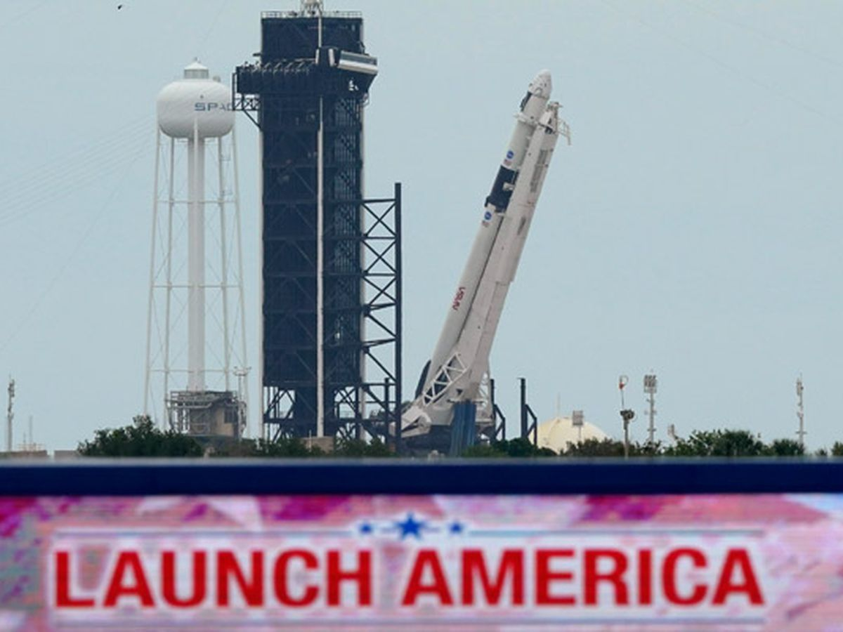 SpaceX launch delayed because of bad weather