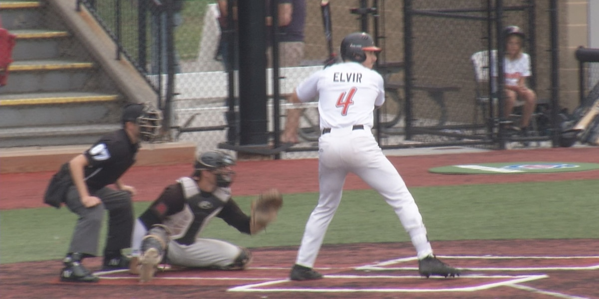 MoonDogs game postponed as Rochester player tests positive for COVID-19